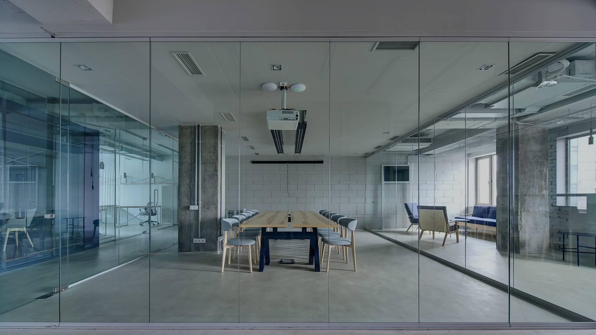 Glaserei-Pasche-Glas-Buero-Verglasung-Glastrennwand-glaser-Iserlohn